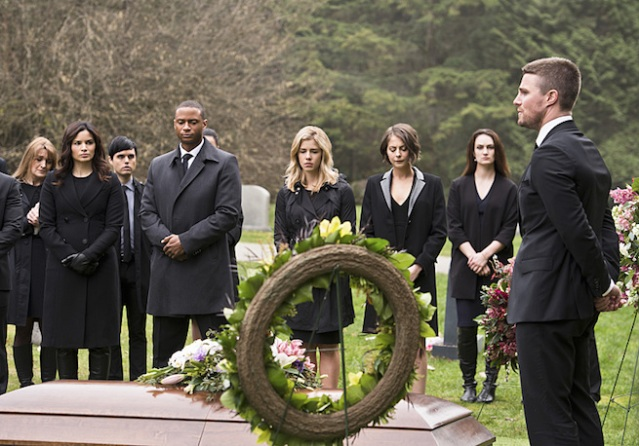 "Katrina Law, David Ramsey, Emily Bett Rickards, Willa Holland and Stephen Amell in the Arrow episode ""Canary Cry."" Photo Credit: Diyah Pera/The CW Katrina Law, David Ramsey, Emily Bett Rickards, Willa Holland and Stephen Amell in the Arrow episode ""Canary Cry."" Photo Credit: Diyah Pera/The CW"
