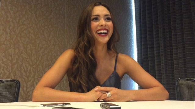 Lindsey Morgan chats about The 100 at SDCC 2016. Photo Credit: Nora Dominick Lindsey Morgan chats about The 100 at SDCC 2016. Photo Credit: Nora Dominick